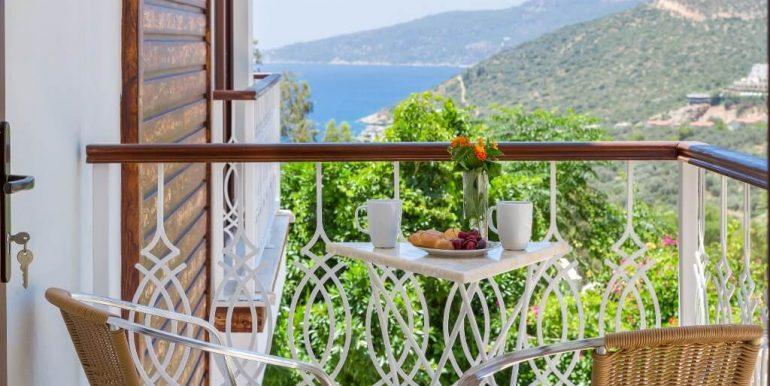 29-Balcony_1024x683